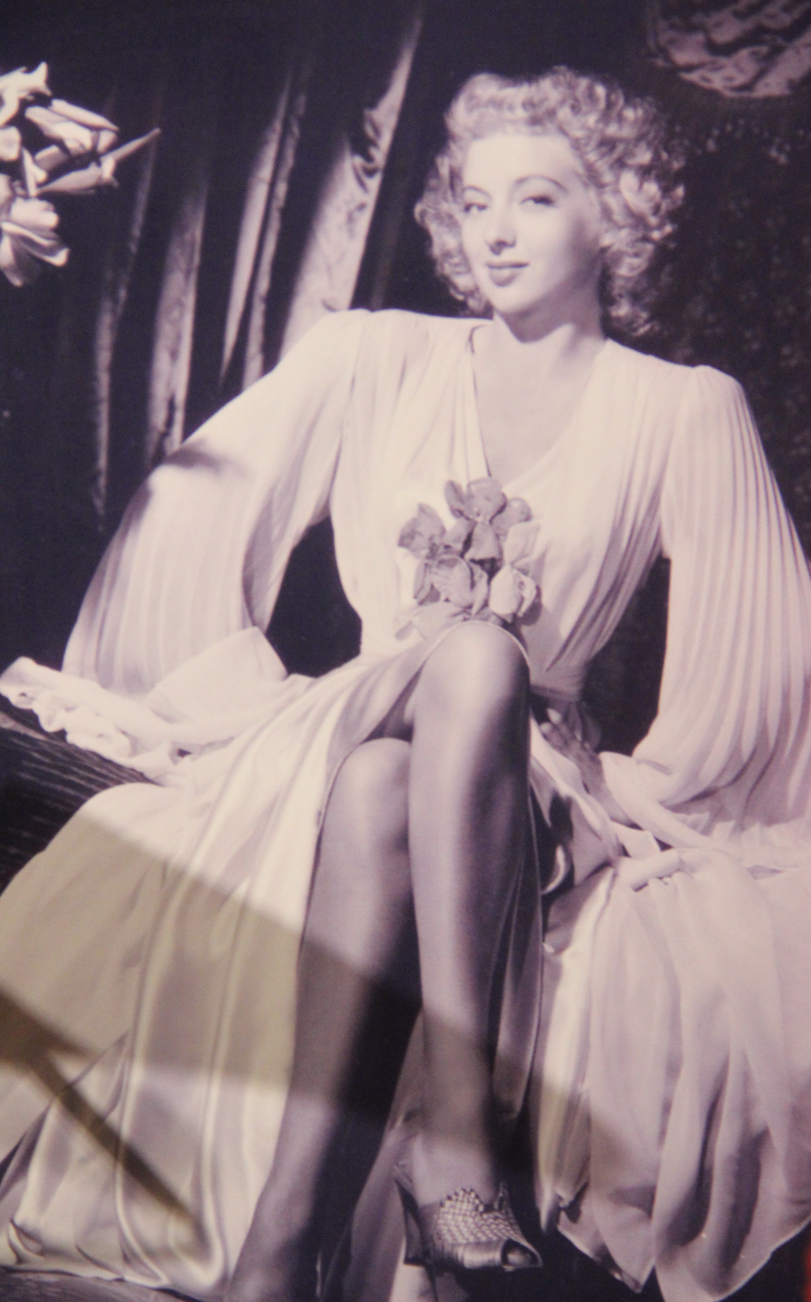 evelyn keyes foot